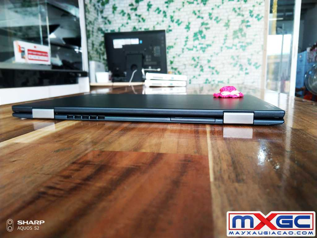 thinkpad x1 gen 4 i7 cạnh sau thinkpad