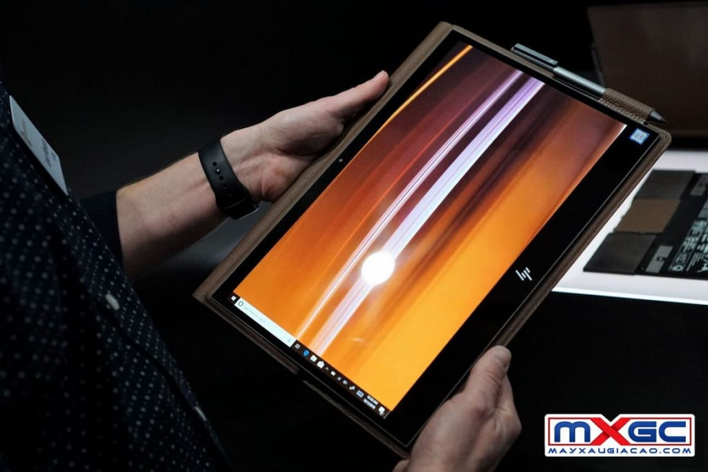 HP Spectre Folio 13 Convertible biến thành tablet